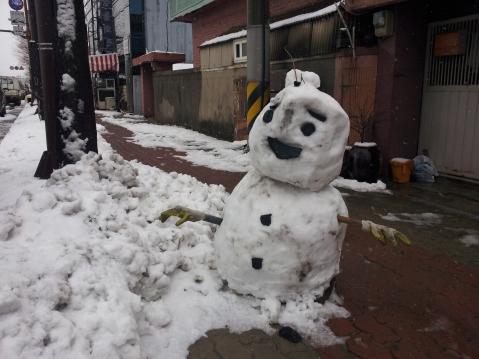 artsinal snowperson